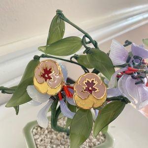Gorgeous Vintage enamel flower earrings